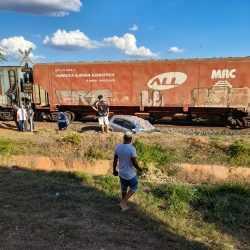 Morre mulher vítima de acidente de carro com trem em Votuporanga